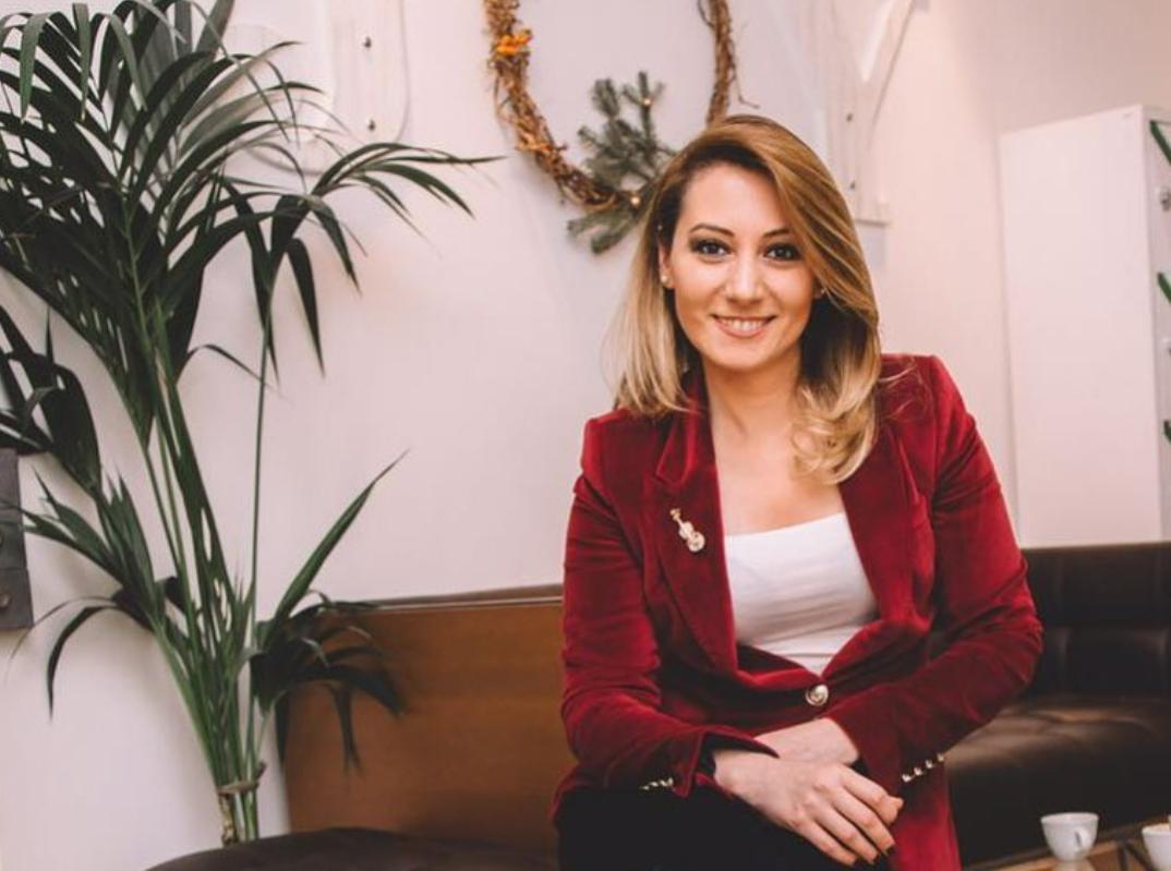 """""""EN İYİ KADIN"""" - www.eniyikadin.com"""